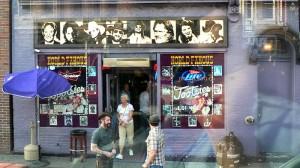 Kjent plateforretning i Nashville. Mange store artister har opptrådt her.
